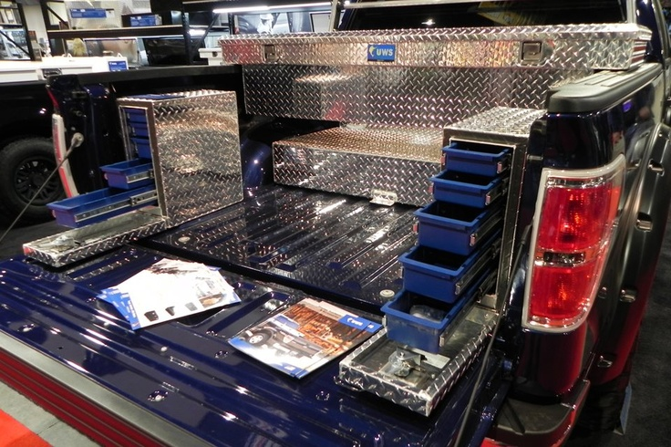 UWS tool box showcase for commercial trucks. Soo many comparments!