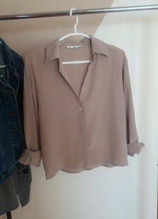 Kup mój przedmiot na #vintedpl http://www.vinted.pl/damska-odziez/koszule/16897379-bezowa-koszula-gladka-look-moda