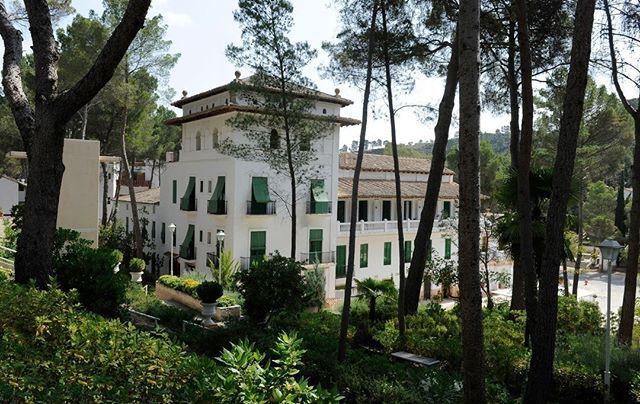Preciosa mañana de sábado en el hotel Balneario de #Cofrentes.: Preciosa mañana de sábado en el hotel Balneario de #Cofrentes.