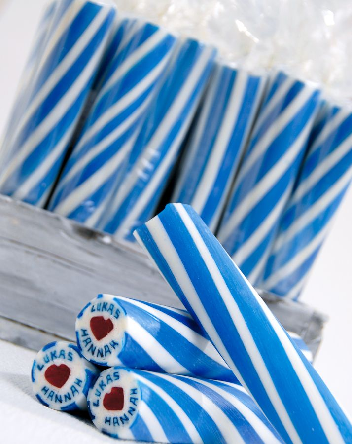 Individualisierte Zuckerstangen als Gastgeschenk – individualized rock candy wedding favor – www.weddingstyle.de