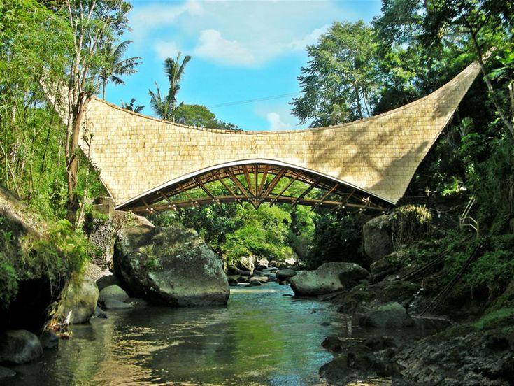 PT bamboo pure: millenium bridge via designboon
