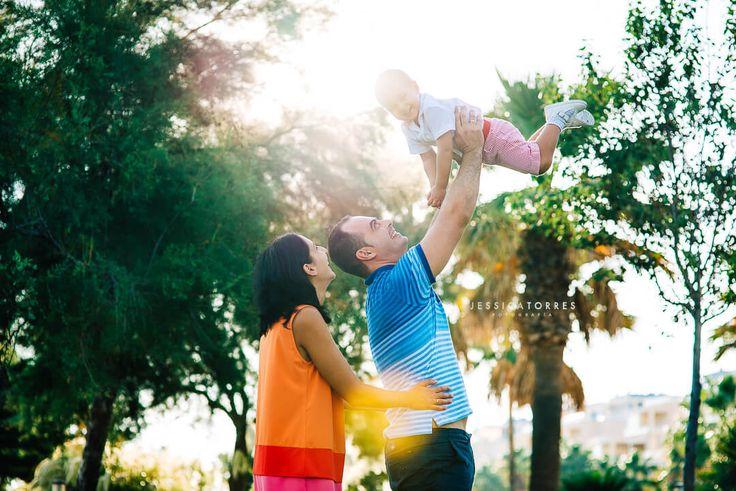 CON PAPÁ Y MAMÁ · Fotografía de familia en El Ejido Almería