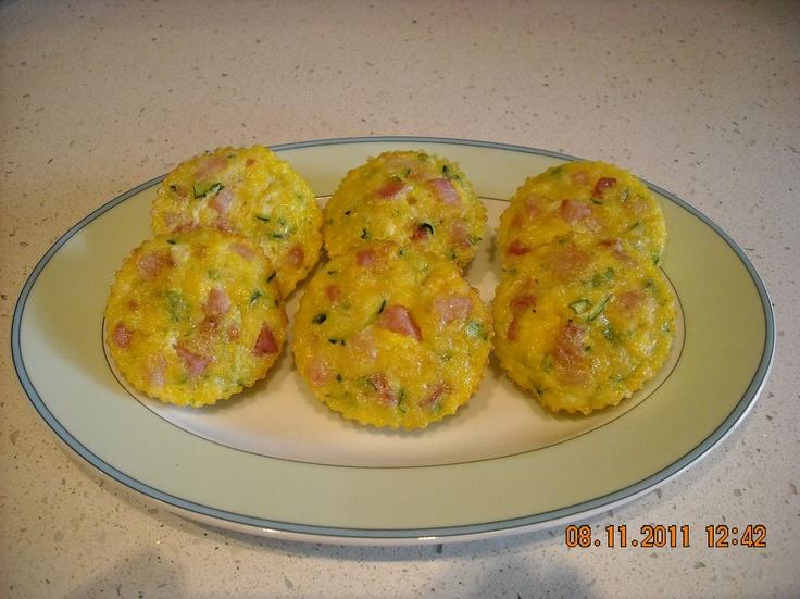 Frittatine di zucchine : togliere pancetta e sostituire l'uovo con un cucchiaino di lievito http://www.chechef.it/forum/antipasti/64554-frittatine-mignon.html