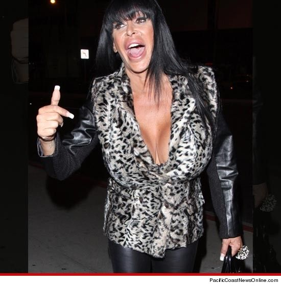 Big Ang! Gaaah I totally love her. I lol everytime I hear her laugh
