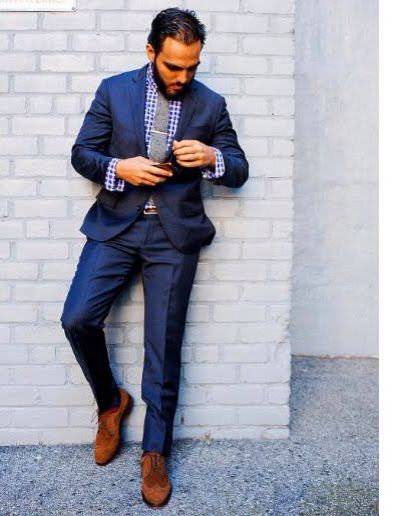 Blue suit purple gingham shirt grey tie and brown suede for Blue suit grey shirt