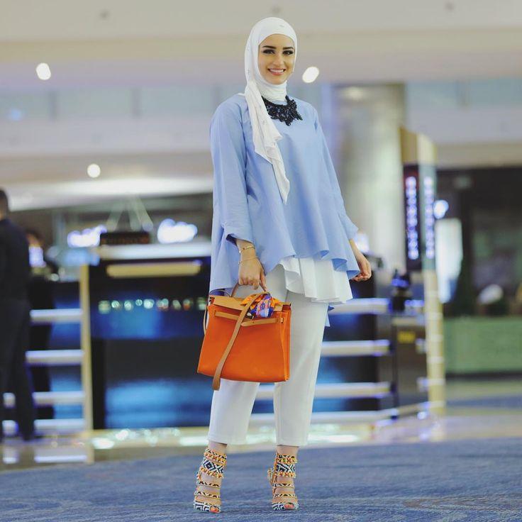 """More details Blue shirt #elladubai , White shirt COS, Pants H&M, bag Hermes and heels @sophiawebster ❤️ Good night lovelies ❤️ حق الي طلبت صوره أوضح…"""