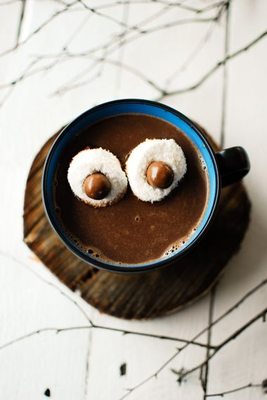 hot cocoa dark chocOlate with cinnamon & marshmallow m&m eyes