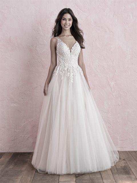 Try It On At Ellie S Bridal Boutique Alexandria Va Allure