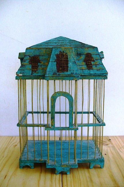 Best 25 vintage bird cages ideas on pinterest antique for Cage a oiseau decorative
