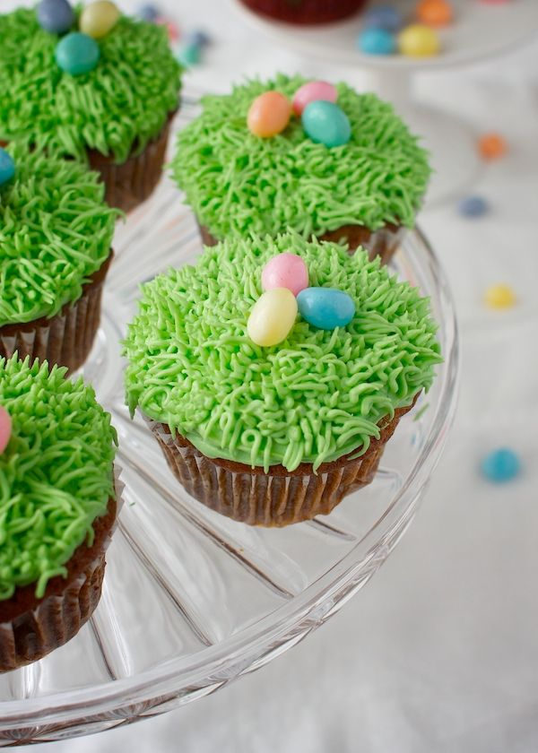 Spring Carrot Cupcakes with Cream Cheese Frosting: Dairy, Egg & Nut-Free.Vegan. | www.speedbumpkitchen.com