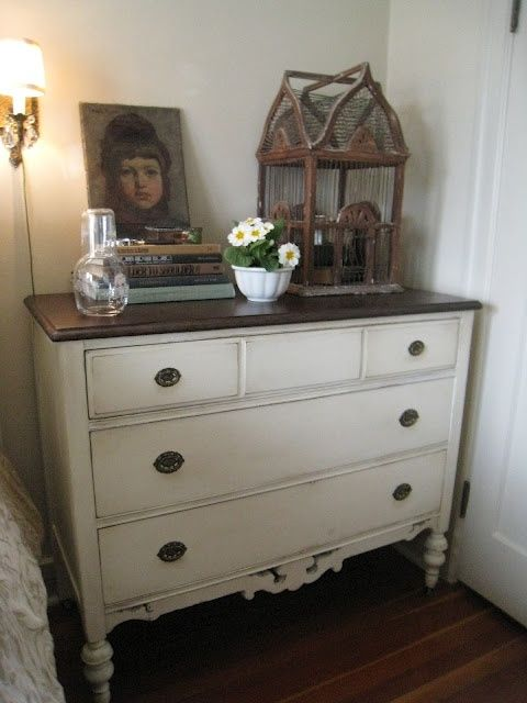Annie Sloan chalk paint: Old White and a little dark wax by Christine Hansen