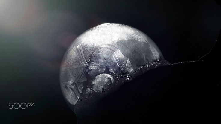Ice Dance - Beautiful freezing Soap Bubble