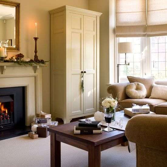New Home Interior Design: Be inspired by a festive 1930s detached home