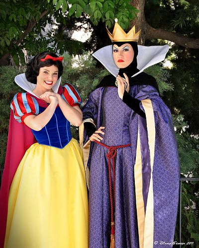 Snow White!  She poisoned you, Snow White!  She made you her servant, then tried to kill you, then almost actually killed you*, Snow White.  What are you smiling for.  Run away.  Come on.   *Ok, so technically she just put a spell on you to put you in an eternal coma but...still counts.