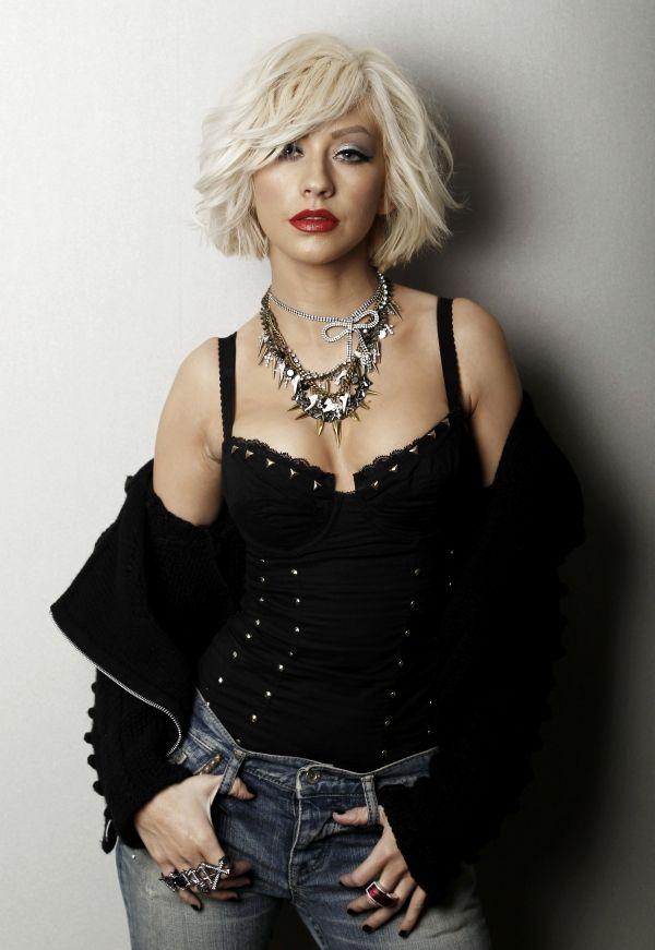 Christina Aguilera hair. Short bob hairstyle.