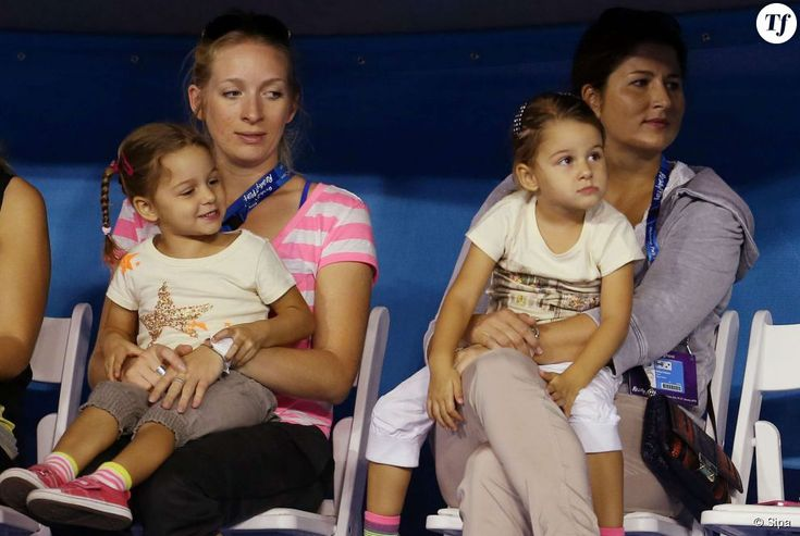 """Dans un entretien accordé à L'Equipe, l'épouse de Gilles Simon laisse entendre que Mirka aurait """"4 nounous par enfant""""."""