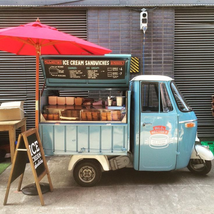 Giuseppe is looking mighty fine today! Who could resist getting an #icecreamsandwich from this guy? @MaltbyStMkt