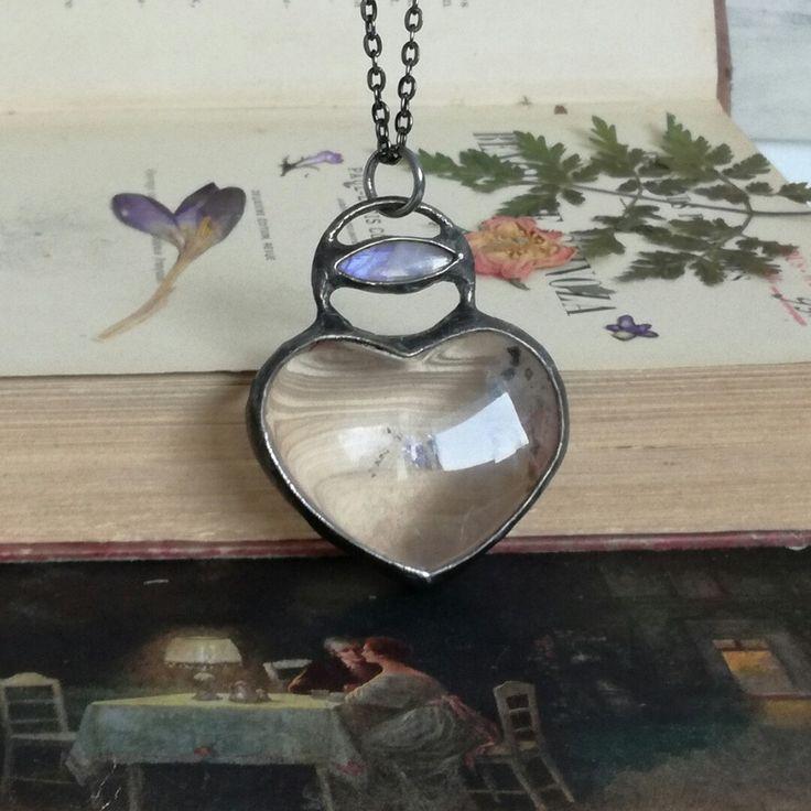 Quartz heart moonston pendant🌙🍁🌼🌹🌌🌜