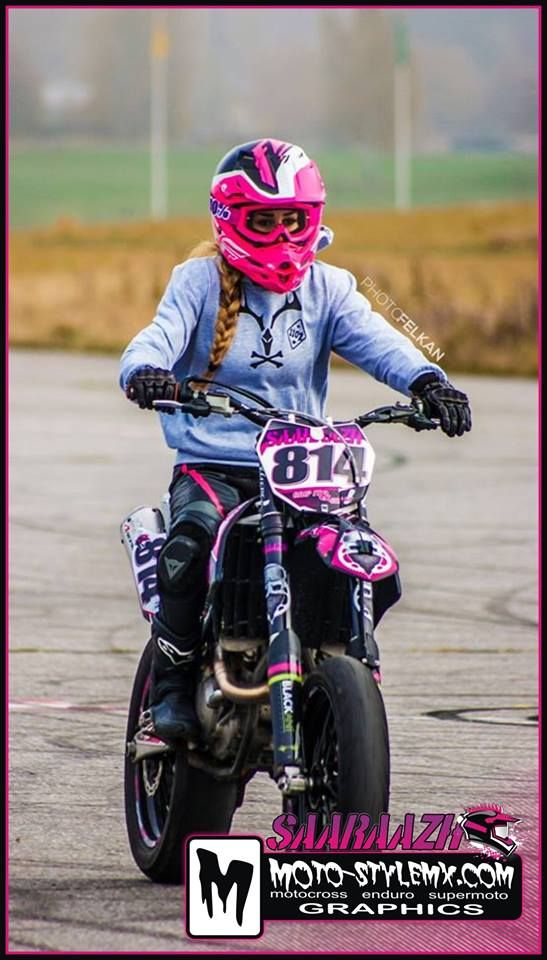 Crazy cool-looking graphix kit for all the biker girls. #moto-stylemx #motostylemx #motocross #motorbike #bikers #supermoto