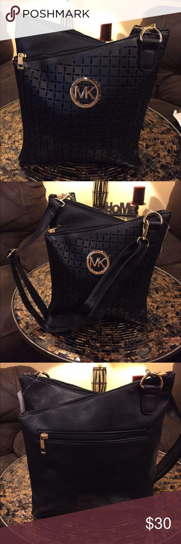 Michael kors Handbag Crossbody Handbag Michael kors brand new it's not authentic looks like real bag Michael Kors Bags Crossbody Bags