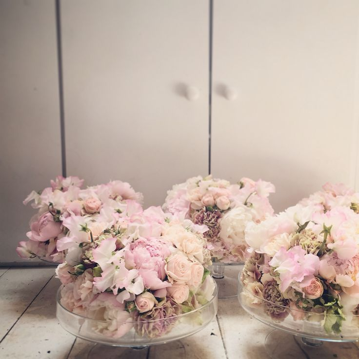 Floral dessert plate centrepieces.  Catherine Muller Flower School in London and Paris