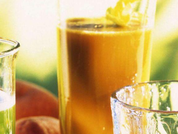 Pfirsich-Sellerie-Saft ist ein Rezept mit frischen Zutaten aus der Kategorie Gemüse. Probieren Sie dieses und weitere Rezepte von EAT SMARTER!