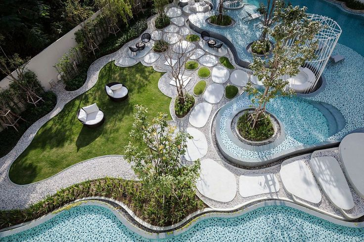 Organic Shaped Stepping Stones And Pool For Resort Like