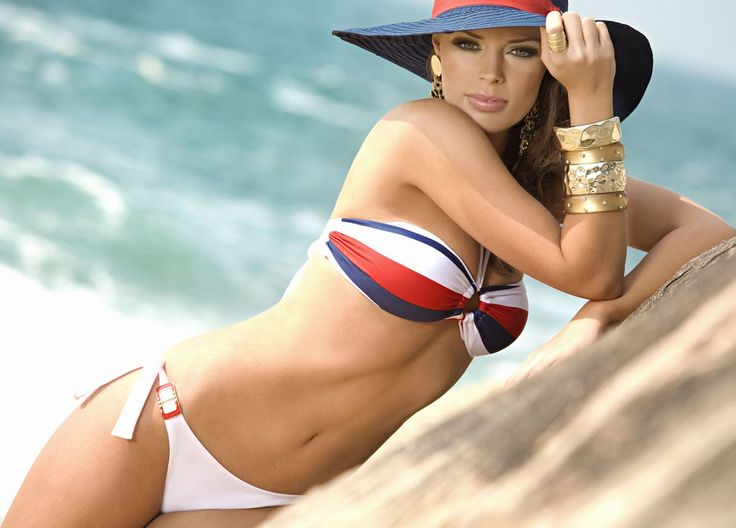 Aurait très orite chicks in bikinis sexy, lovely