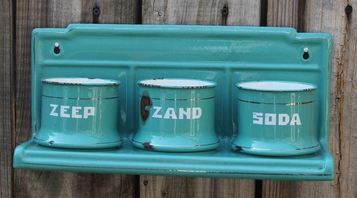Set van zeep, zand en soda potjes met houder - jaren '30/'40