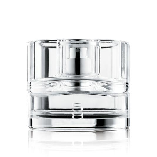 Suosituin miestentuoksu!  S8 Eau de Toilette  8 tuoksun yhdistelmä tekee miestentuoksusta nuorekkaan. Puumaiset tuoksut säilyttävät trendikkyytensä greipin ja orvokin kautta aina sydäntuoksun lämpenevään myskiin.