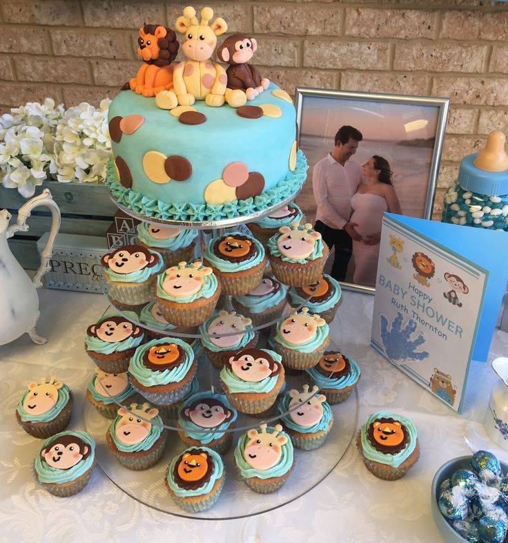 Baby shower cake I made for my very dear friend. @trixiescraftco