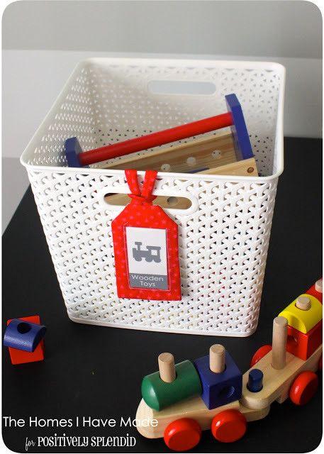 バインダーやBOXがスッキリと並ぶ、美しい収納実例を集めました。イラストや写真を使えばひと目で判別できるので、小物の整理収納にも応用できます。家庭でも日頃から分別整理し、いつでも必要な物がすぐに取り出せるファイリングを心がけたいですね。