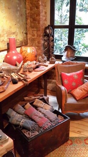 Modern Tarih - Istanbul Decoration shop Cukurcuma