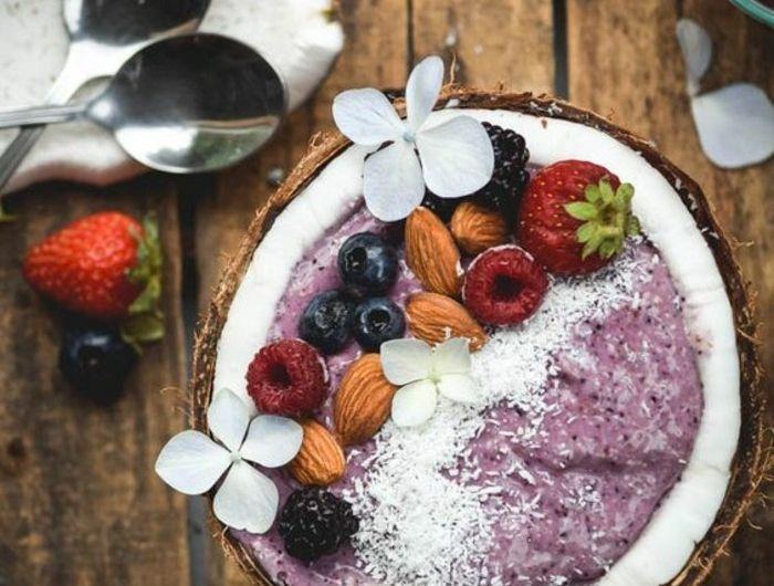 smoothie-bowl-pour-petit-dejeuner-regime-smoothie-bonne-pour-la-sante