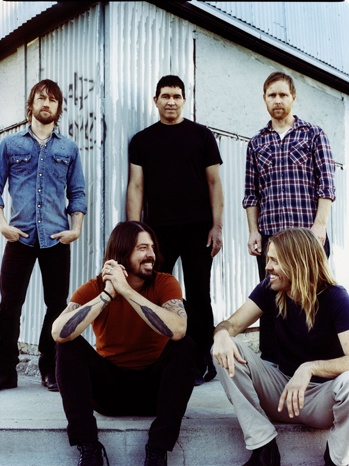 Google Image Result for http://www.hollywoodreporter.com/sites/default/files/2011/03/foofighters-publicity-11-a-p.jpg
