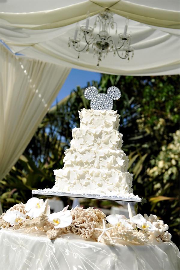 mickey mouse disney wedding cake