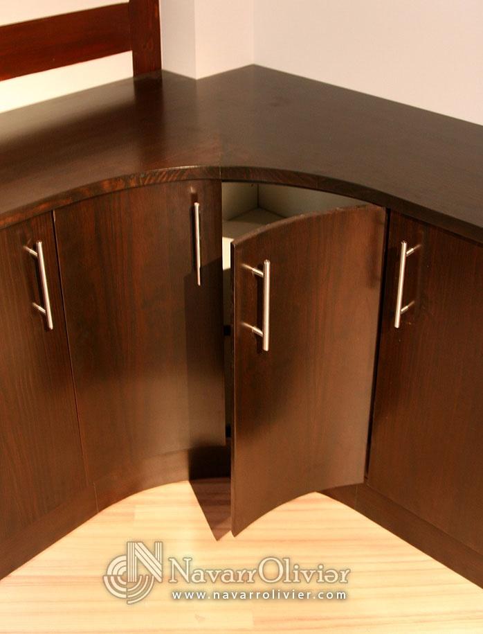 Mueble esquinero con puertas curvas by for Mueble zapatero esquinero