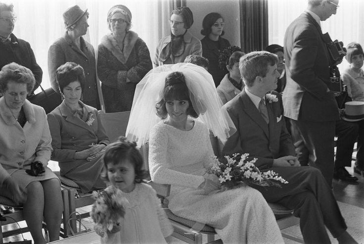 Category:1967 weddings - Wikimedia Commons