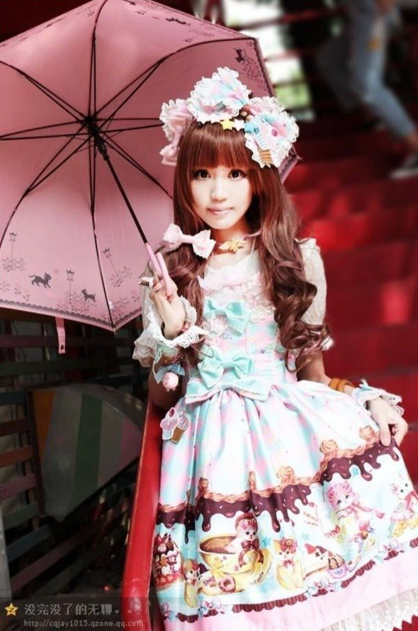 Sweet Chinese Lolita dressed in ***Infanta Sweet Cream Cat Printed Jumper Dress*** >>> http://www.my-lolita-dress.com/infanta-sweet-cream-cat-lolita-dress-inf-160 [★IN STOCK★]