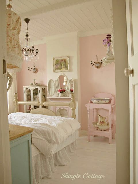 Hello again  It  a cold windy and very rainy Saturday here at Shingle  Cottage but here inside it is nice and cozy sat by the glowing. The 25  best Shabby chic bedrooms ideas on Pinterest   Country