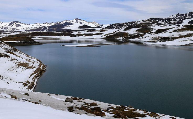 Laguna del Maule, Región del Maule, Chile.