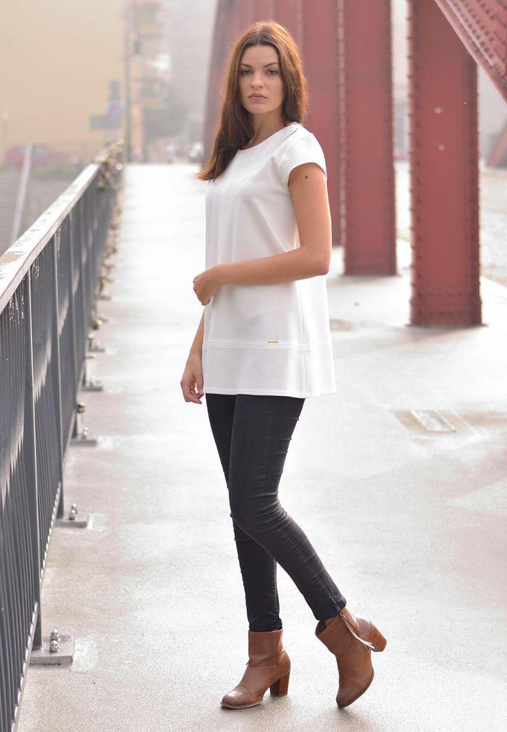 Elegancka tunika biała. Źródło: http://besima.pl