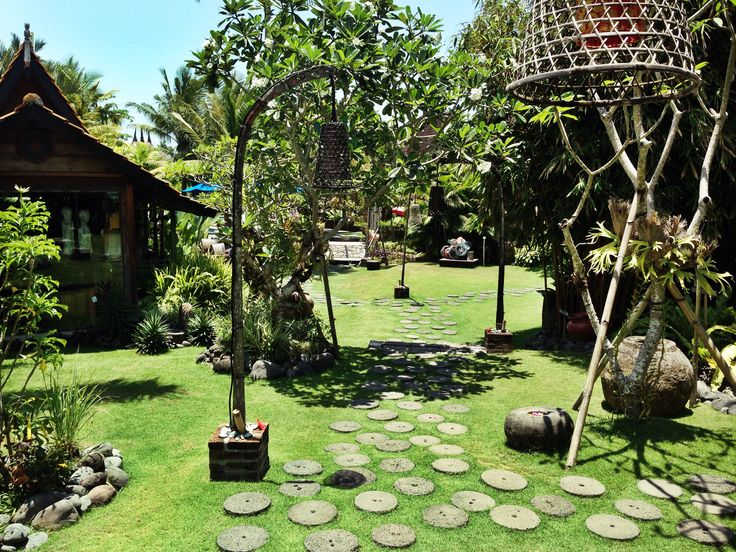 Lusciously green grounds of Desa Seni #yoga #green #bali #bliss #yogi