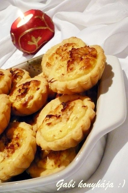 Túrós-sajtos kosárkák