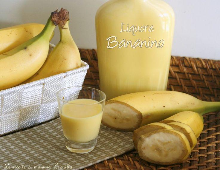Il liquore bananino cremoso preparato in casa in modo estremamente semplice e senza coloranti artificiali col giusto equilibrio tra alcol e zucchero!