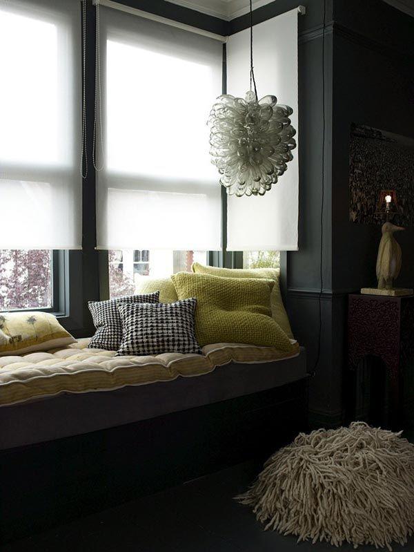 подоконник-диван в интерьере фото