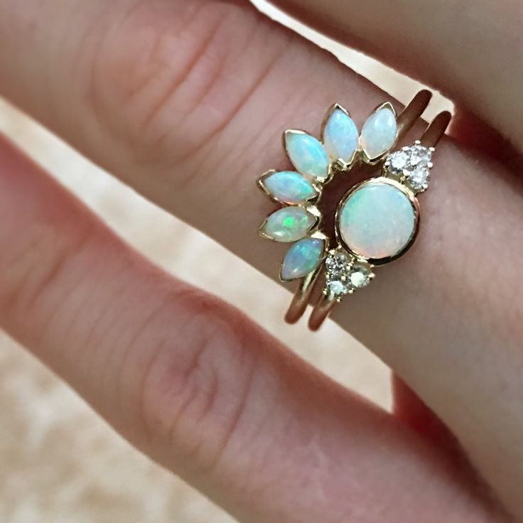 Obsessed with this opal ring from LAKAISER