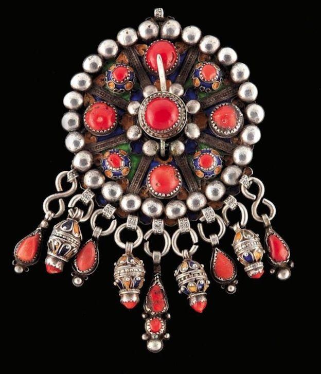 17 meilleures id es propos de bijoux kabyle sur for Decoration kabyle