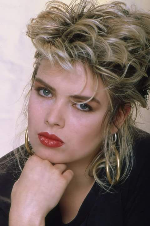 langhaar frisuren 90er kim wilde frisur. Black Bedroom Furniture Sets. Home Design Ideas