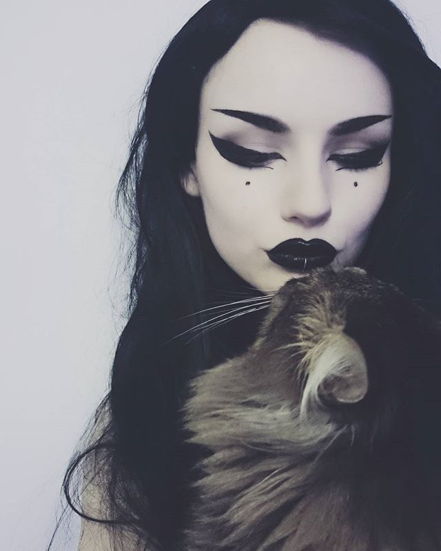Gimli♥ . . . #cat #witch #witchery #witchcraft #pet #blacklipstick #kitty #makeup #goth #gothgirl #gothic #gothicgirl #cats #animal #eyemakeup #cateyes #catsofinstagram #alternativegirl #altgirls #eyeliner #eyeshadow #halloween #longhair #paleskin #lipstick #darkmakeup #pagan #witchesofinstagram #blackandwhite #love